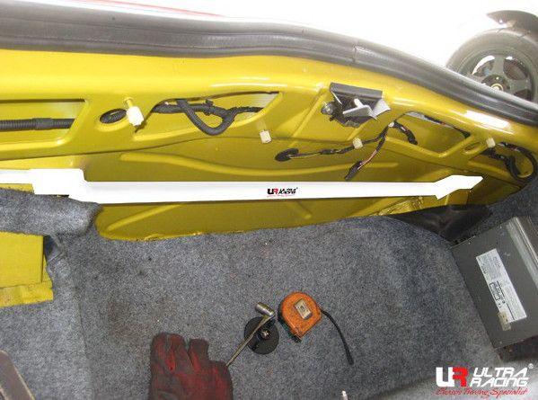 Rozpěrná tyč Ultra Racing Alfa Romeo GTV 2.0/3.2 (95-05) / Spider 2.0/3.2 (95-06) - zadní horní