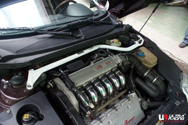 Rozpěrná tyč Ultra Racing Alfa Romeo GTV 3.2 (95-05) - přední horní