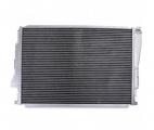 Hlinikový závodní chladič Jap Parts BMW E46 316i-330i CI/XI/TI + 1.8/2.0/3.0D + M3 (98-06) - hadice