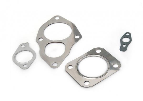 Turbo Parts Set těsnění na výfuk a mazání turba pro Mitsubishi Evo / Galant / Eclipse TD04 / TD05