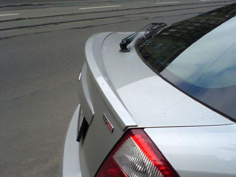 Maxtondesign Křídlo FORD MONDEO MK3 hatchback