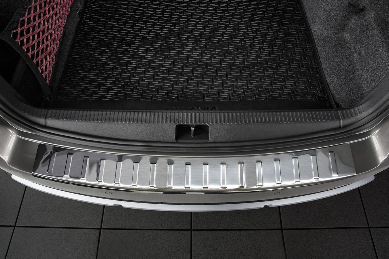 Globmel Kryt prahu zadních dveří Škoda Octavia III SCOUT
